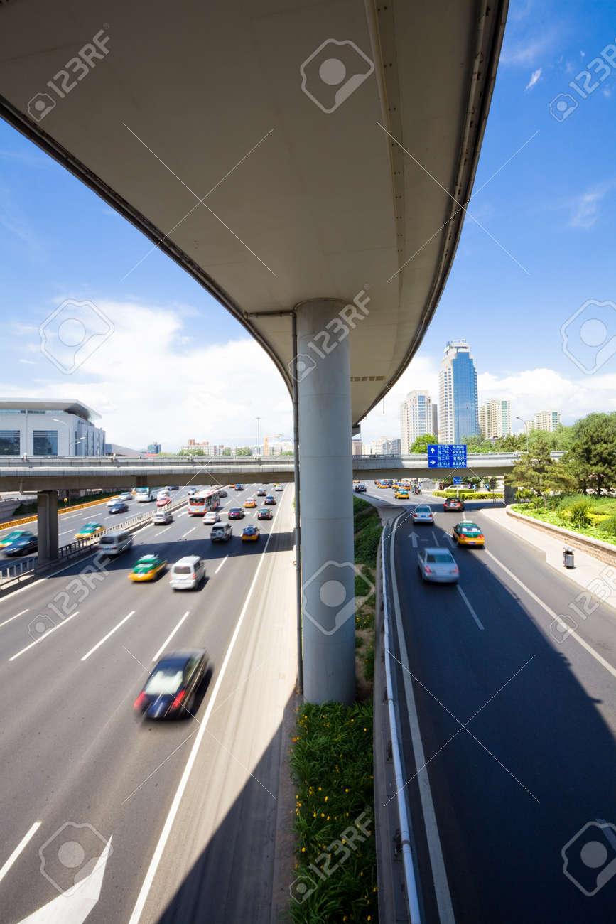traffic through downtown Stock Photo - 17375557