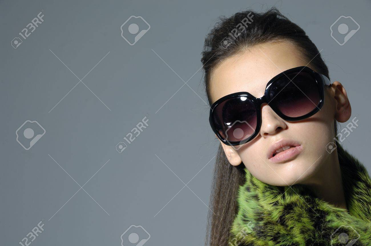 Sunglasses fashion woman border Stock Photo - 12534318