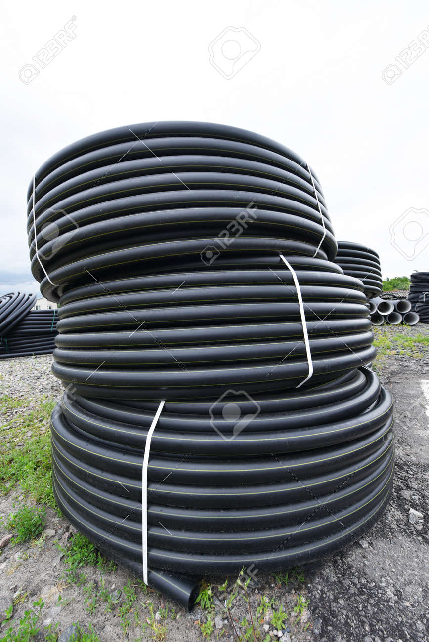 New black Plastic Pipes for Water Supply outdoor