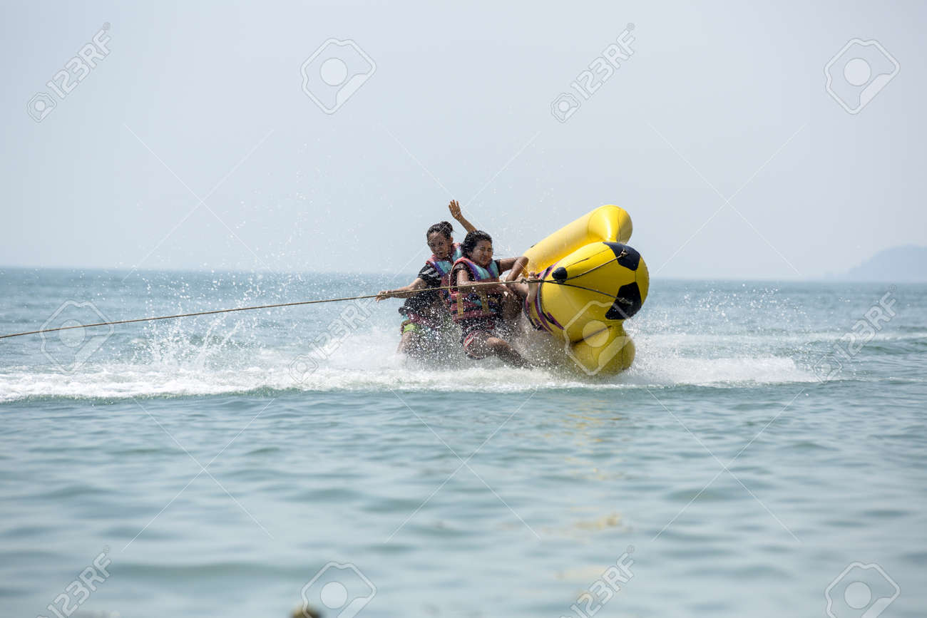 banana boat  Stock Photo - 20132985