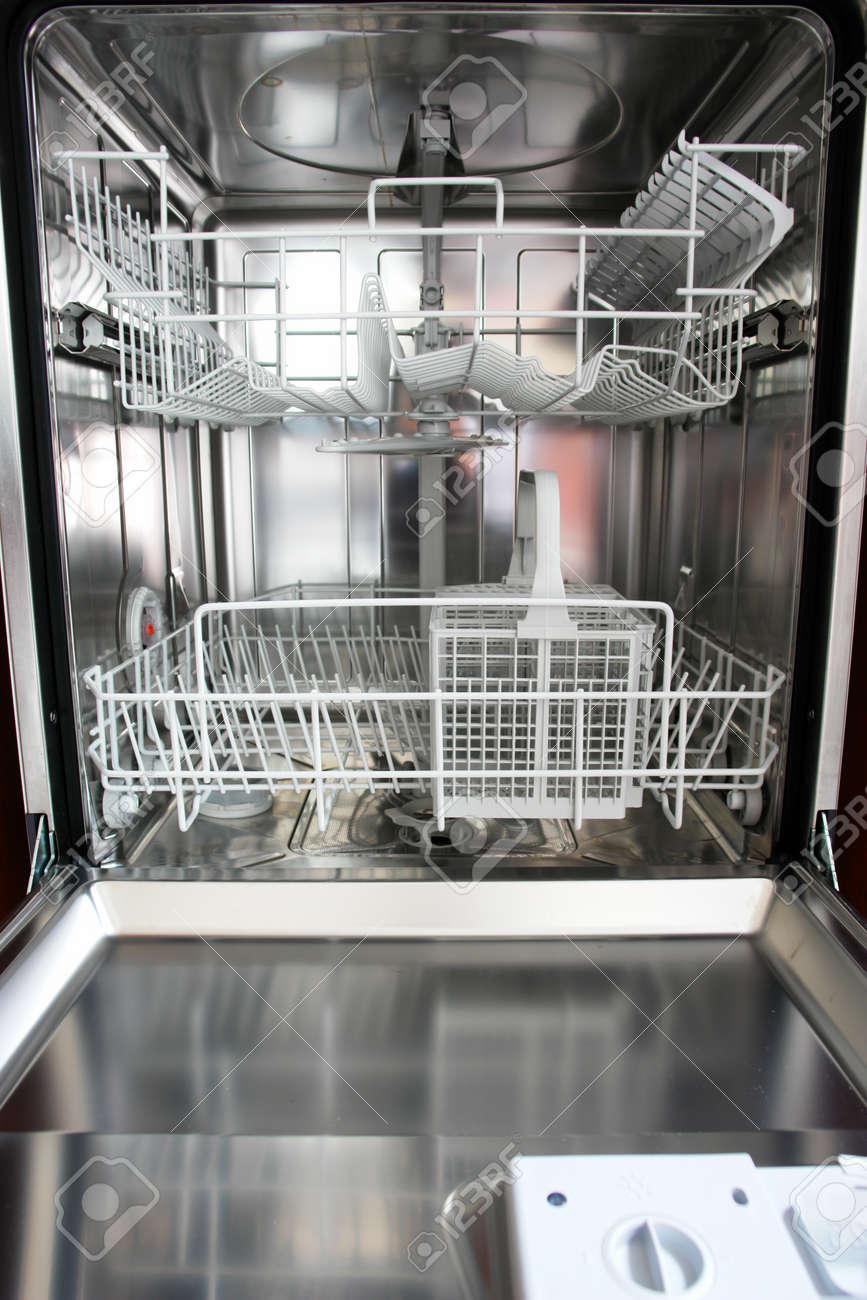 Neue Spulmaschine In Der Kuche Lizenzfreie Fotos Bilder Und