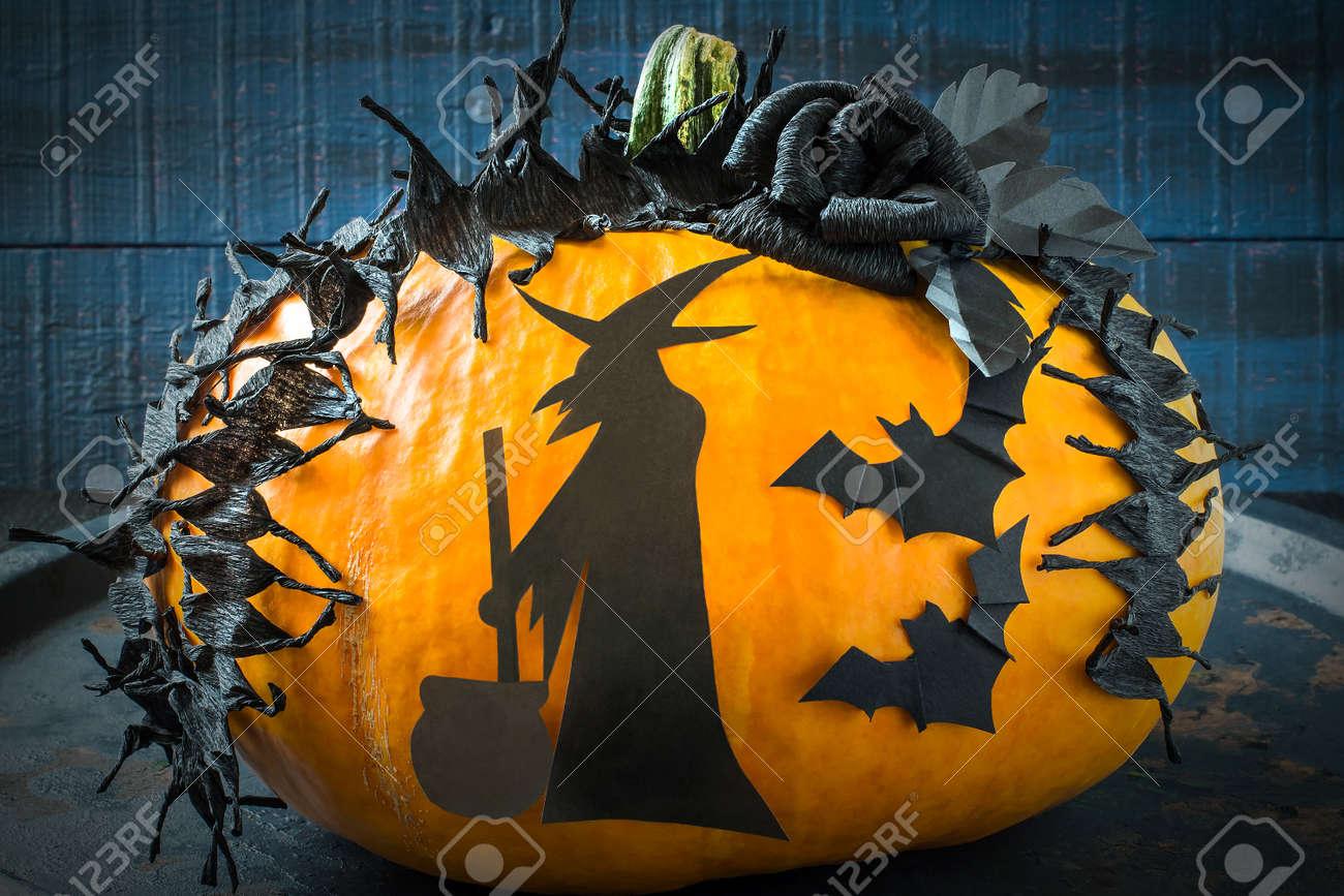Idee De Decoration Maison Pour Halloween Application Ruban Barbele