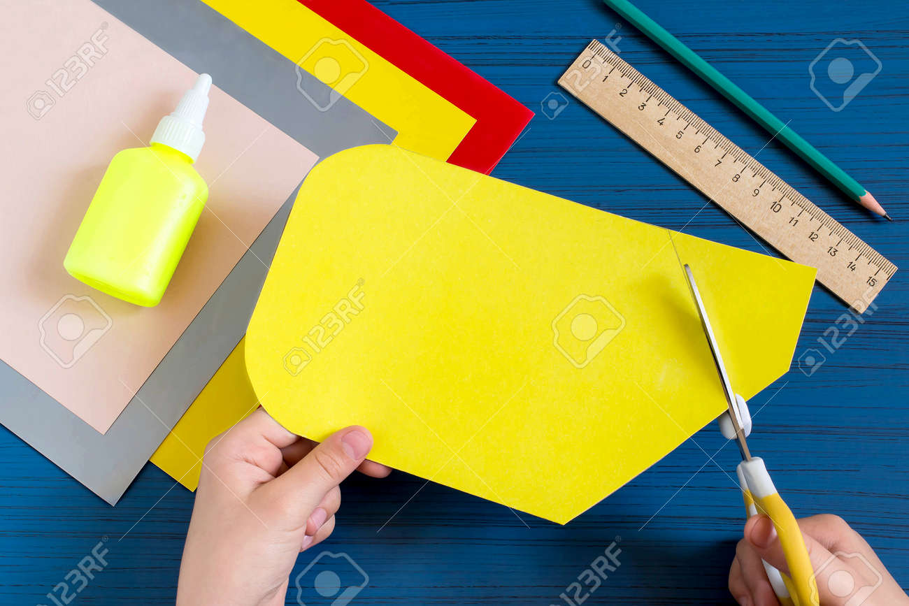 Making greeting card in form of pencil for new school year welcome making greeting card in form of pencil for new school year welcome back to school childrens art project diy concept step by step photo instruction kristyandbryce Gallery