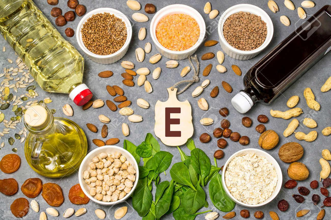 La Comida Es Fuente De Vitamina E. Varios Alimentos Naturales ...