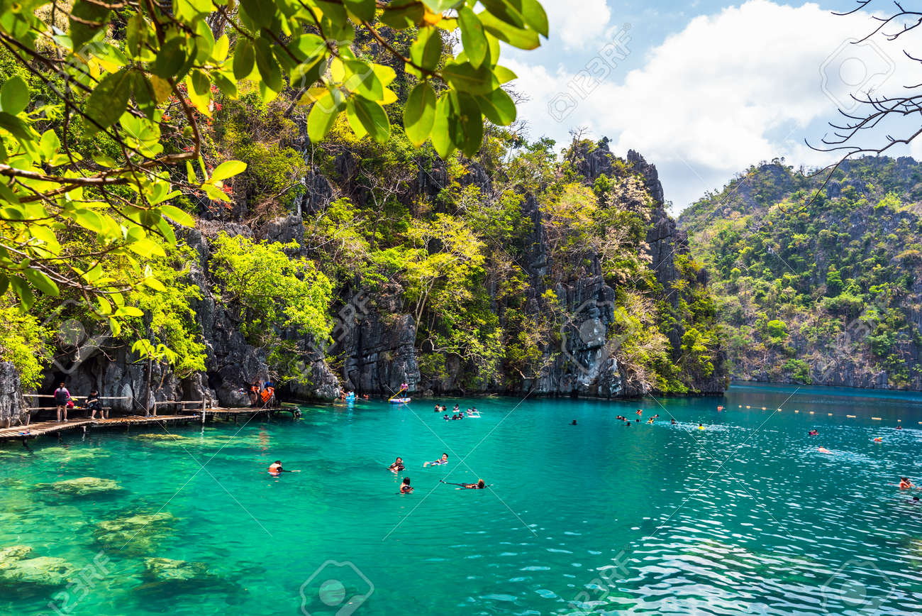 Palawan Philippines March 29 2018 People Tourists Swimming