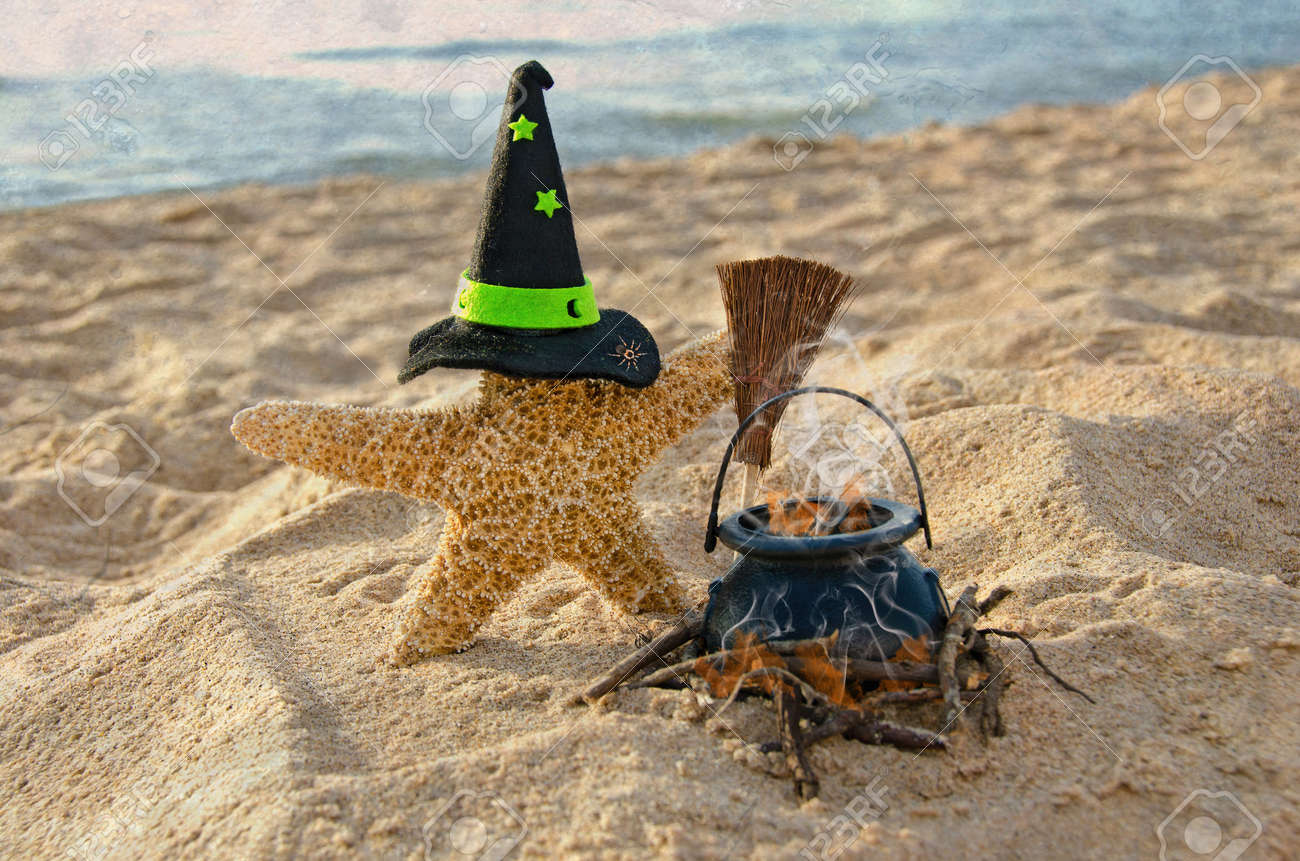 Halloween starfish on the beach Stock Photo - 22163726