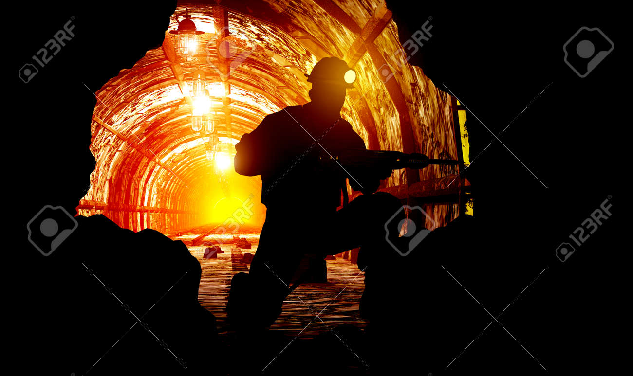Silhouettes of worker in the mine. - 32770950