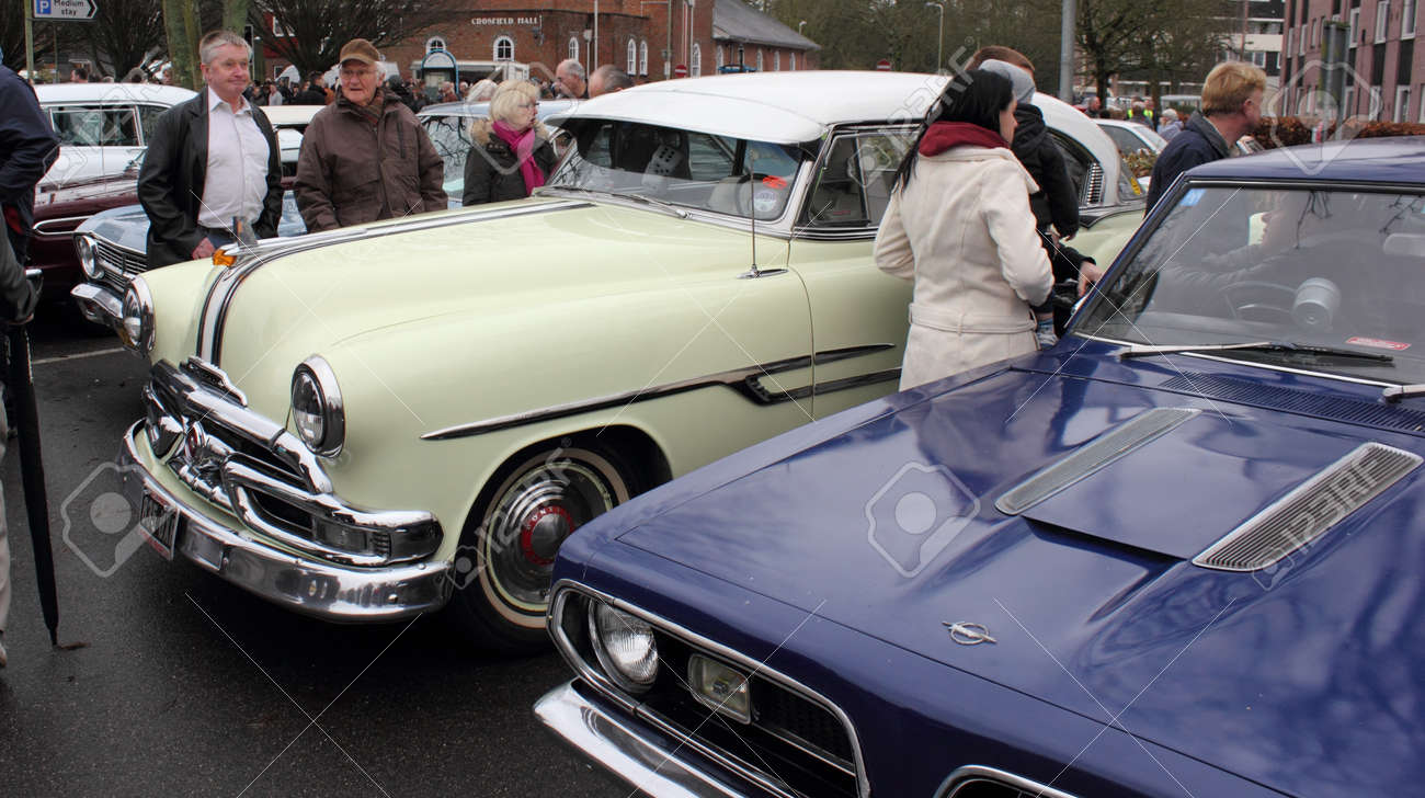 Old Retro Cars At A Show In Romsey, England On The 26th December ...