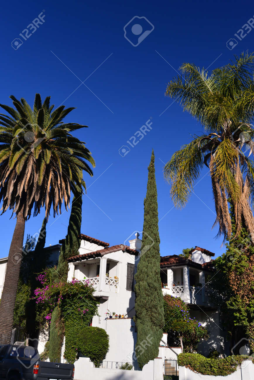 spanish house built in the 30s in Los Angeles Stock Photo - 28272644