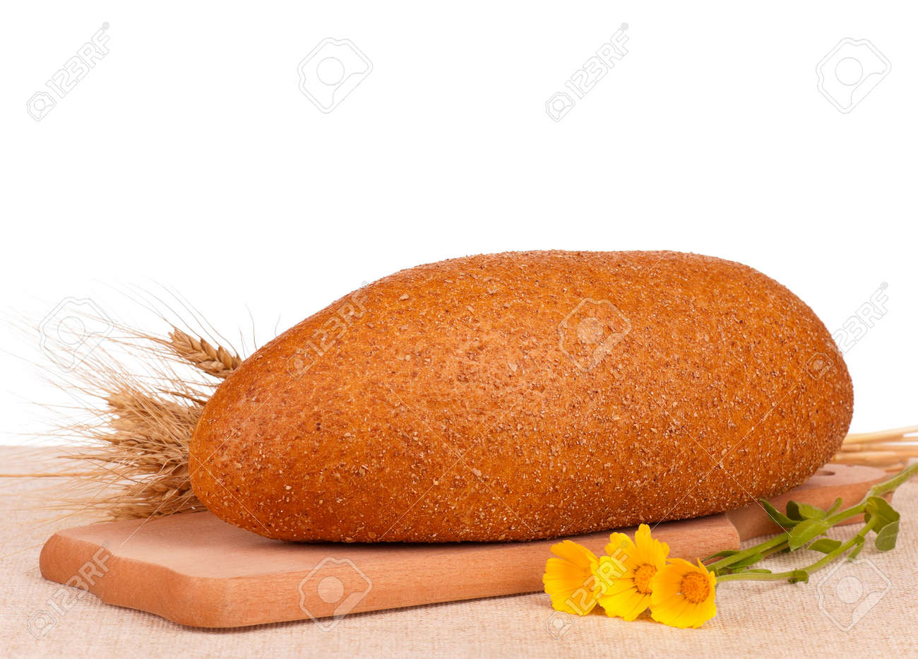 Bread with bran Stock Photo - 16446732
