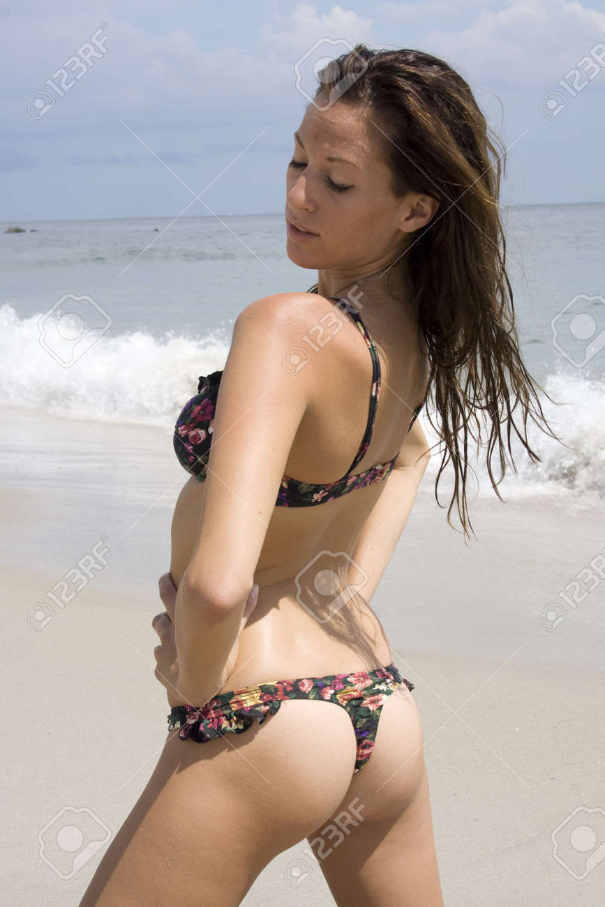 Doherty girl butt thong curvy nude