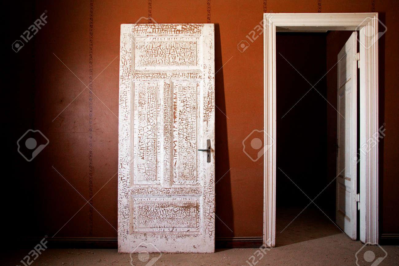 door with old texture - 37640904