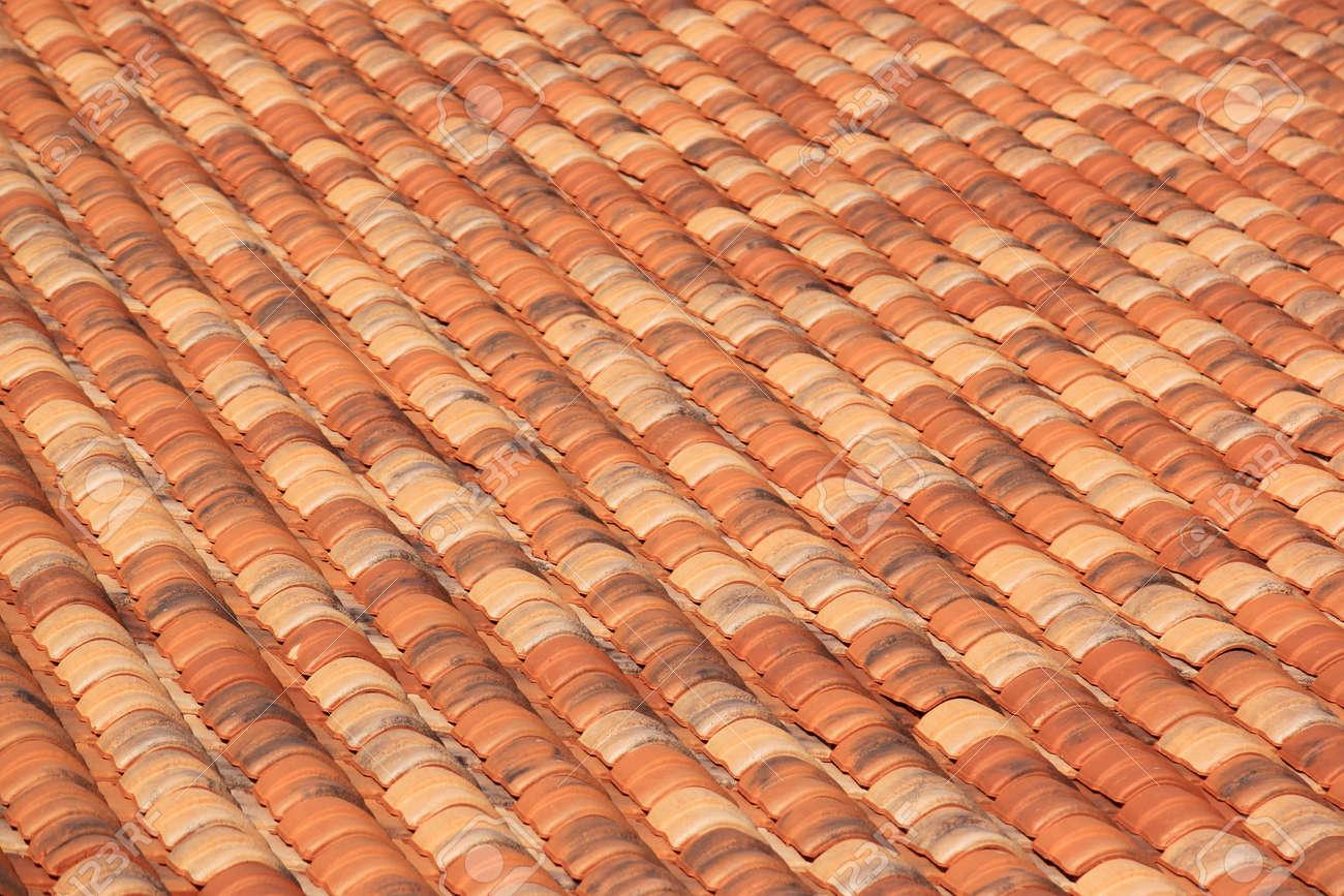 Incroyable Toit D Une Maison #9: Toit Du0027une Maison Couverte De Tuiles Basque Banque Du0027images - 14828987