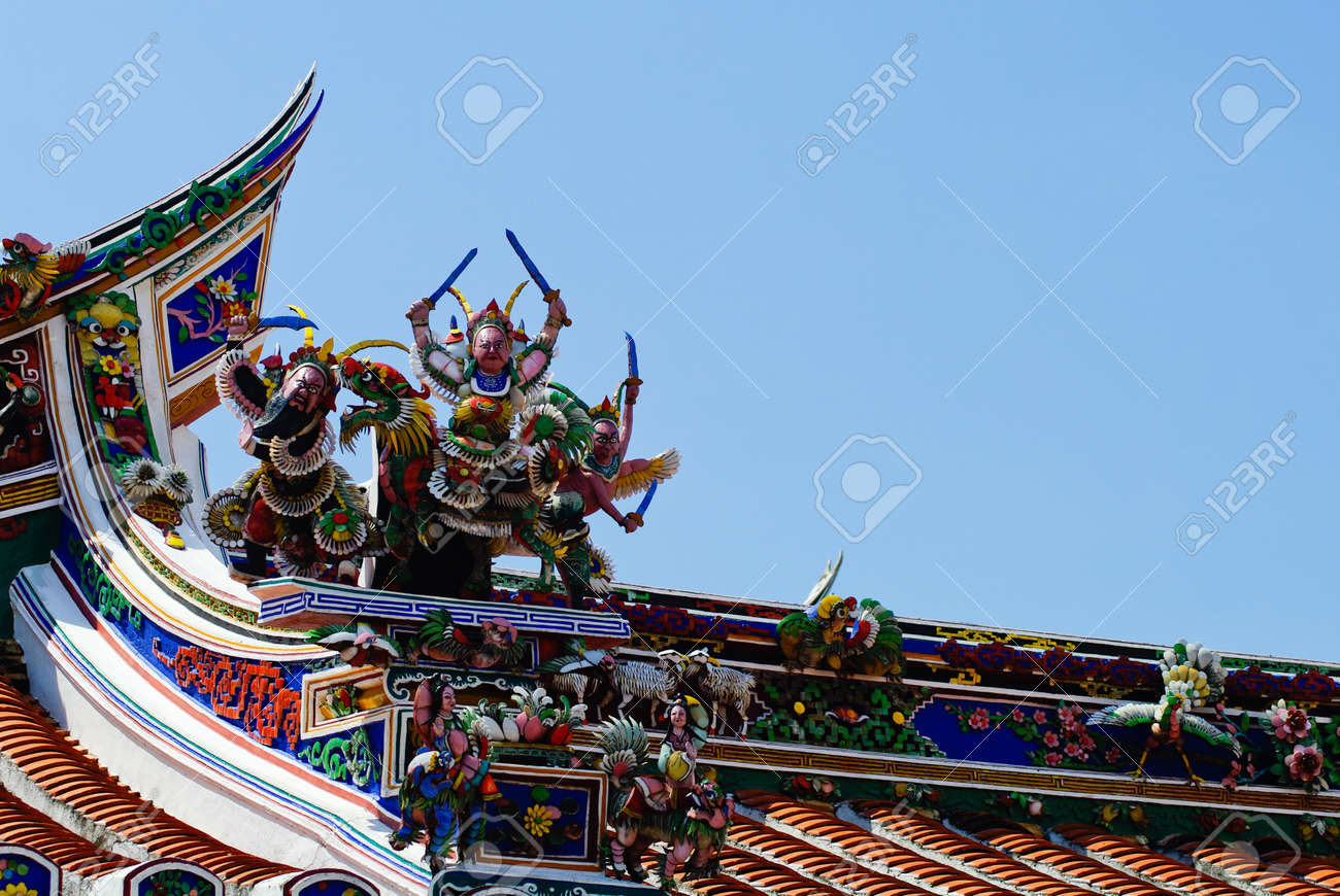 Malaysia Chinese  Cheng Hoon Teng  temple roof Stock Photo - 15411271
