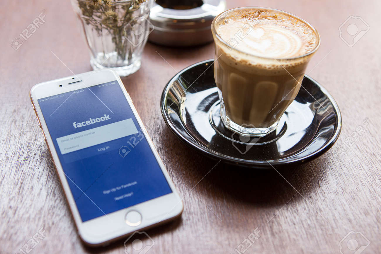 CHIANG MAI, THAILAND - APRIL 22, 2015: Facebook application using Apple iPhone 6. Facebook is largest and most popular social networking site in the world. - 42011814