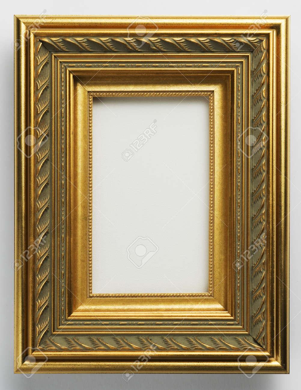 Antik Gold Verzierten Bilderrahmen Auf Weiß Lizenzfreie Fotos ...
