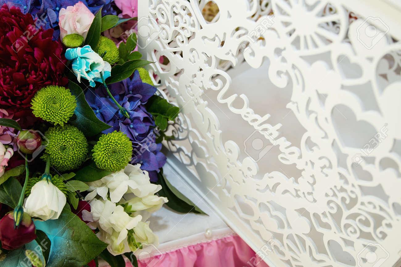 Weiss Und Lila Blumen Hochzeit Accessoires Hochzeit Vorbereitung