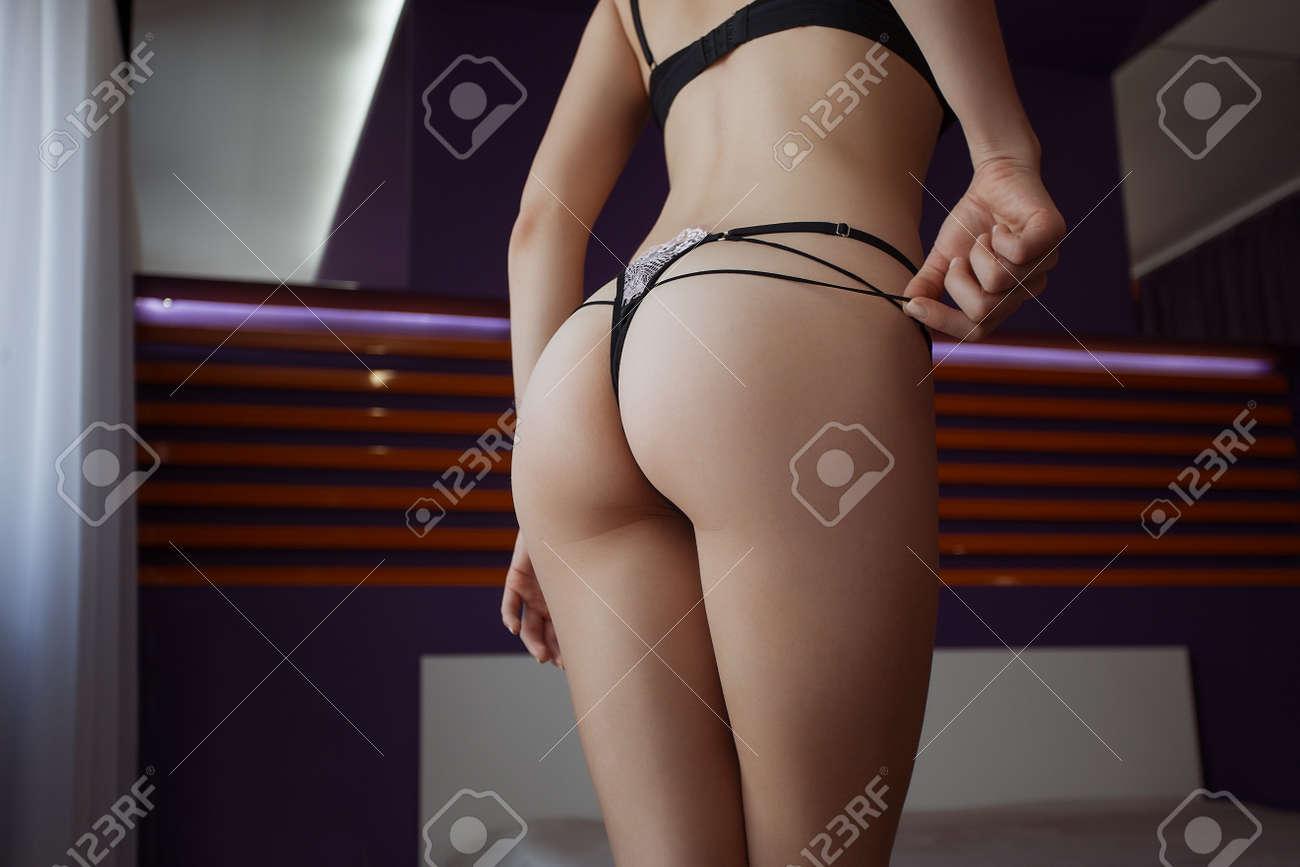 chelsea lately naked pics