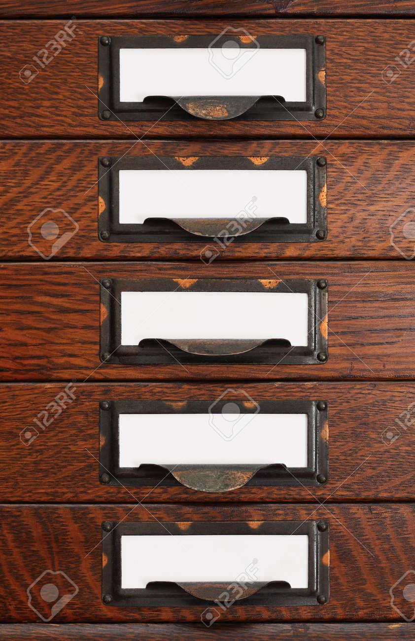 Pila Vertical De Cinco Cajones De Roble Viejo De Archivo Sin Formato ...