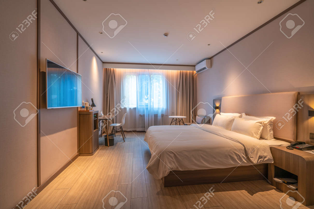 Modern and stylish hotel rooms - 156975562