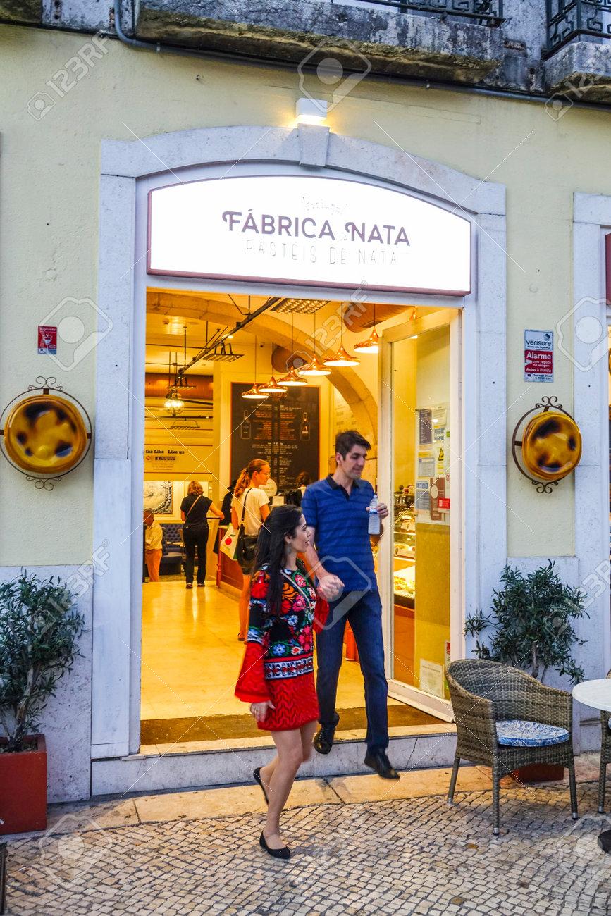 Banque d\u0027images , Boulangerie et pâtisserie célèbre à Lisbonne appelée  Fabrica Nata