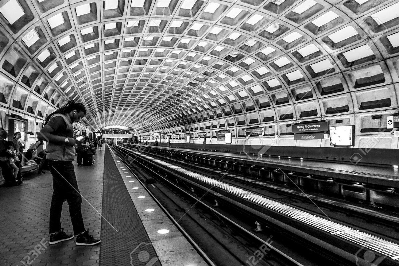 The platform of Washington Underground - WASHINGTON DC - COLUMBIA - APRIL 9, 2017 - 82469527