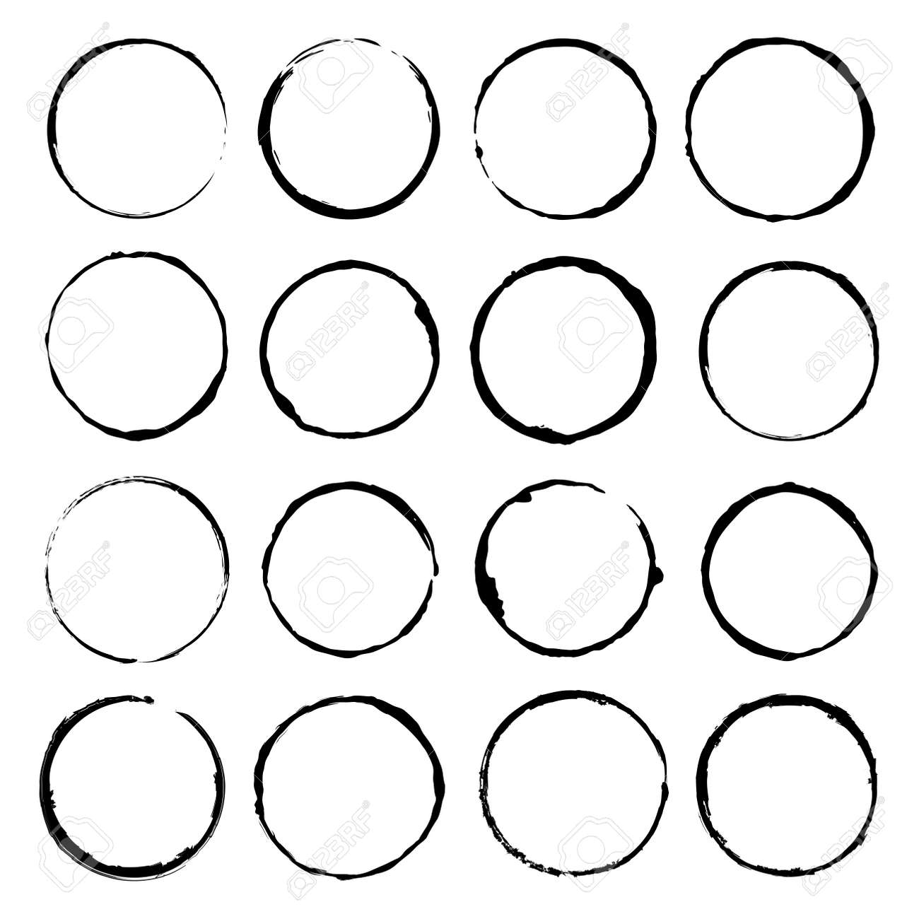 Vector set of grunge circle brush vector illustration - 131237736