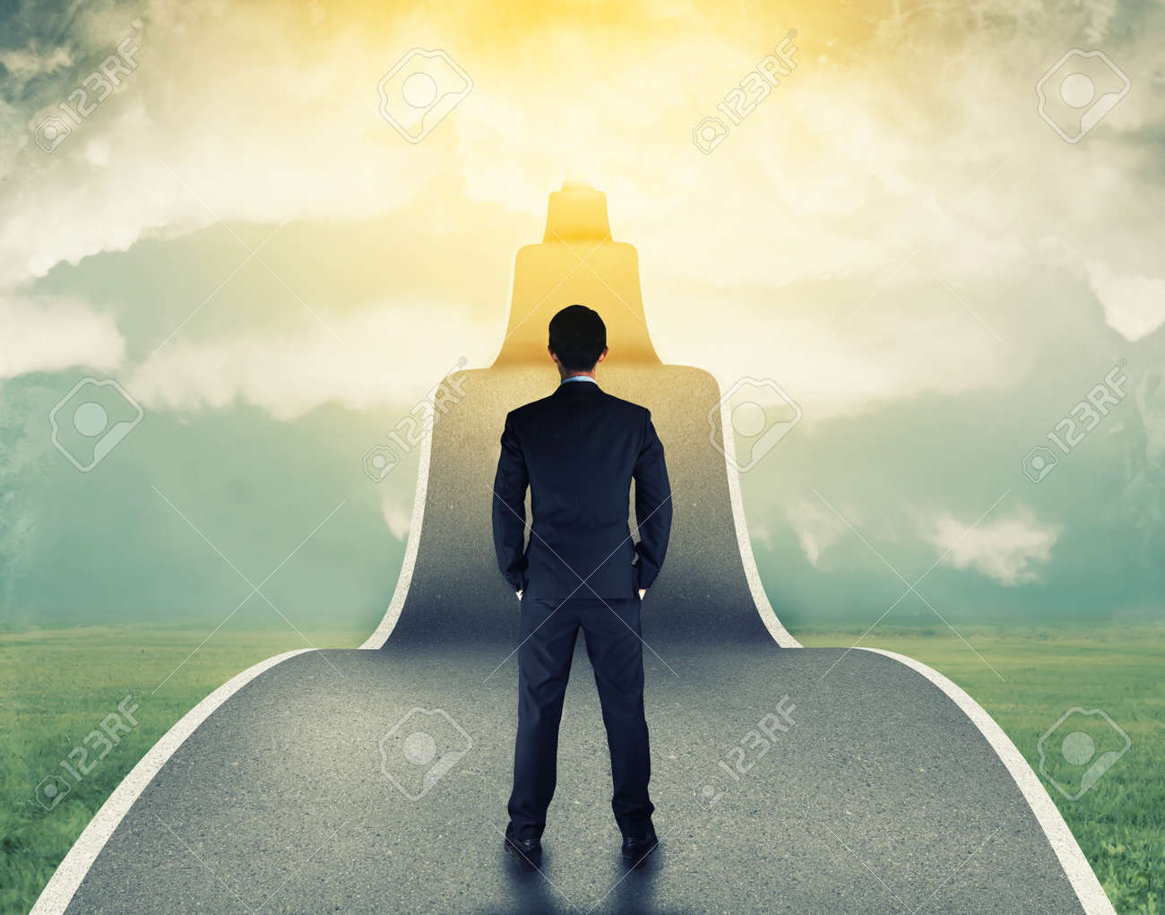 businessman on the road to success in business Stock Photo - 42457441