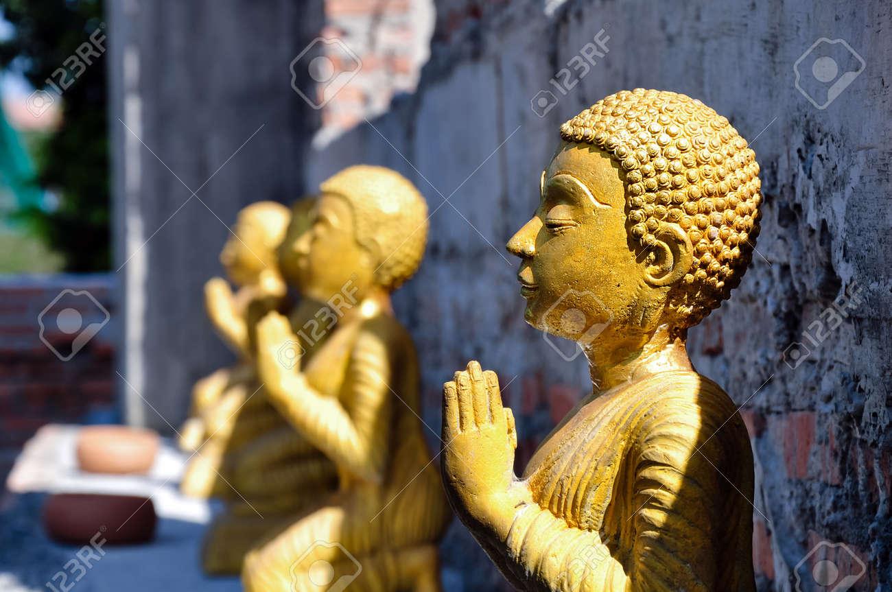 monk image at wad bot donphrom ,nonthaburi,thailand Stock Photo - 12823914