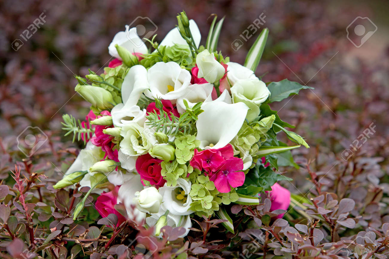 Wedding Bouquet Bouquet Of Colorful Fresh Flowers On Natural.. Stock ...