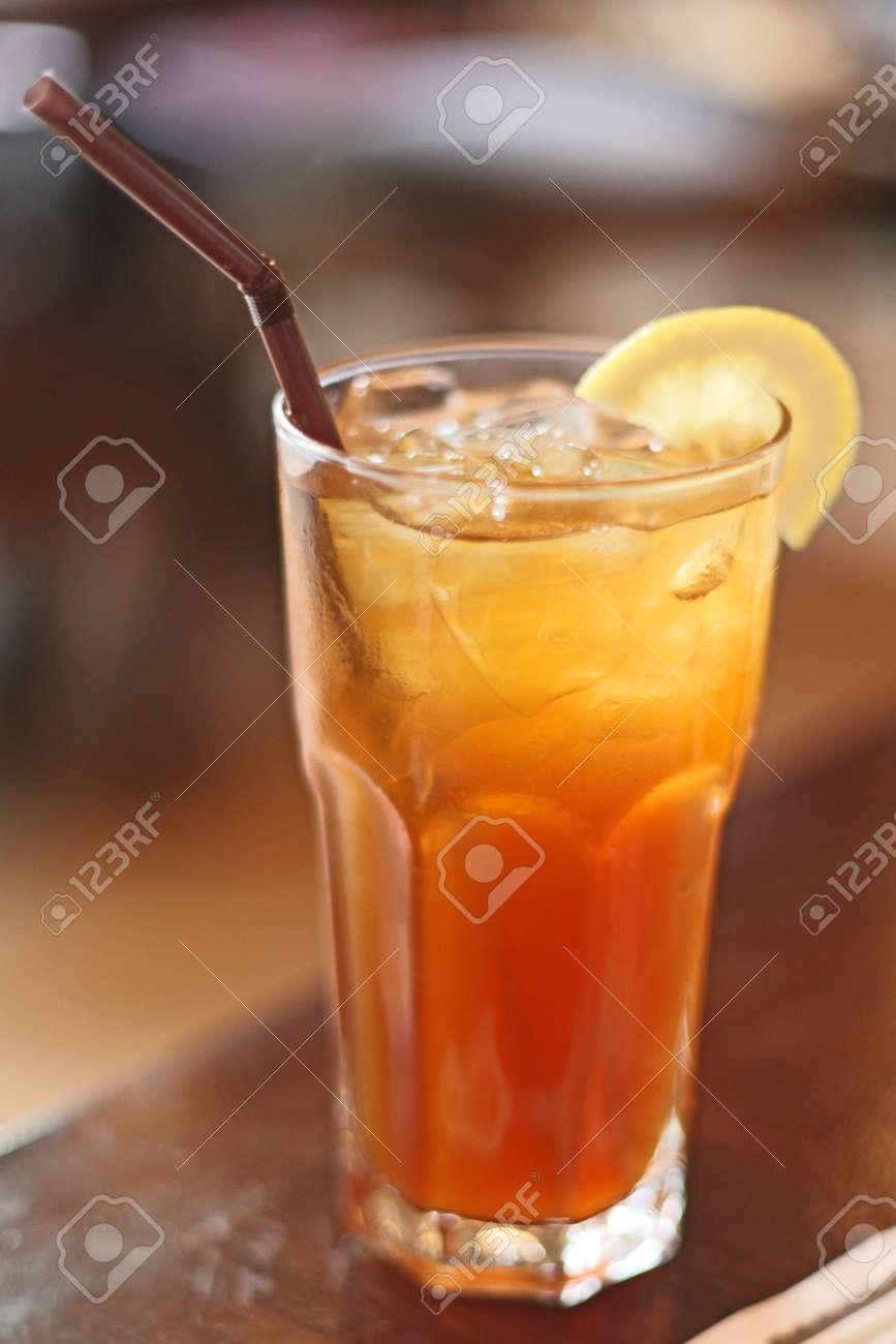 Zitrone Tee Und Kalte Getränke Lizenzfreie Fotos, Bilder Und Stock ...