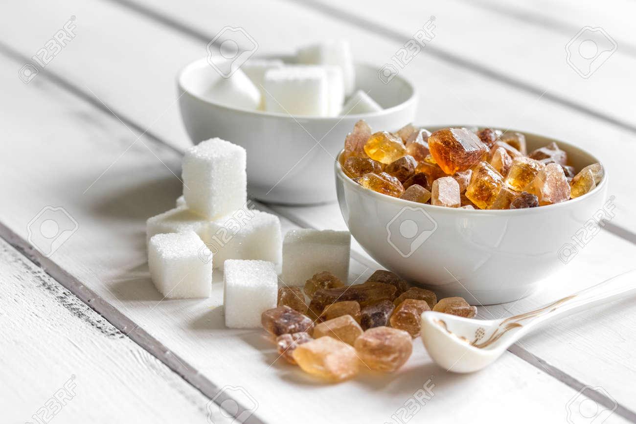 Zucchero Bianco E Marrone Per La Cottura Dei Dolci Sulla Fine Di ...
