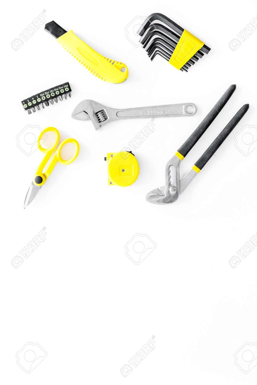 Renovación De La Casa Con Implementos Para Construir, Pintar Y ...