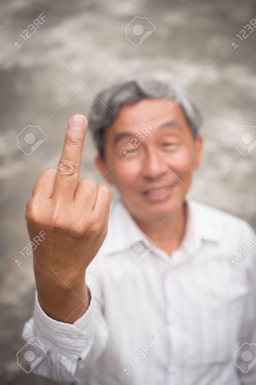 Getting Fingered Alter Mann