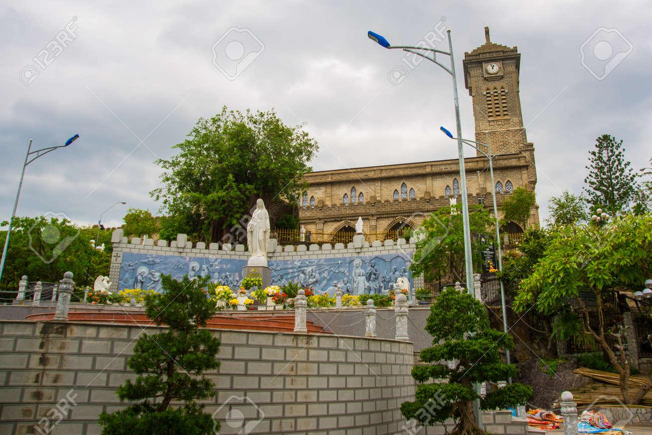 Bezaubernd Schöne Einrichtung Das Beste Von Schöne Religiöse Mit Dem Gebäude In Dalat.asia.