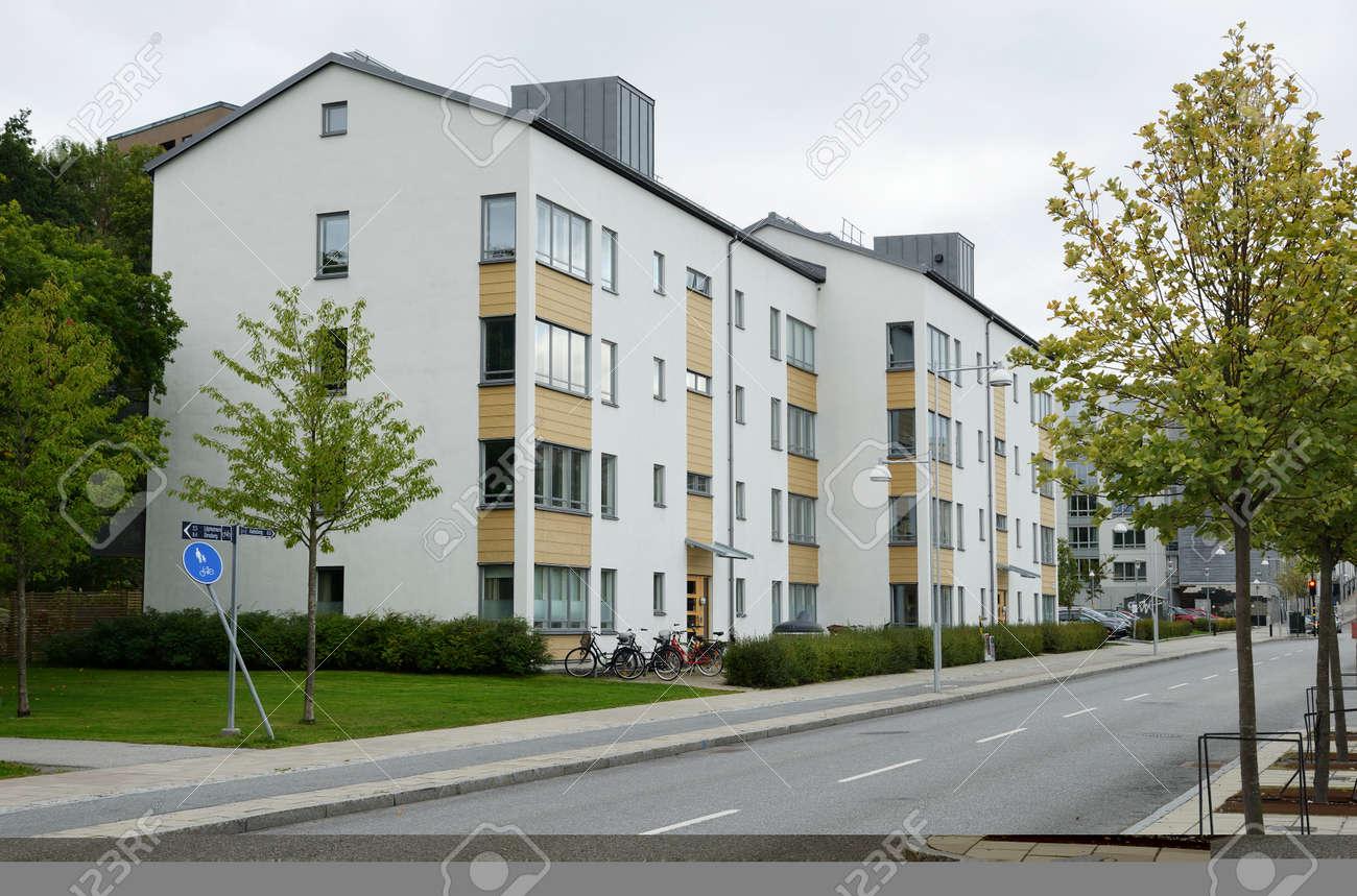 Eitelkeit Moderne Mehrfamilienhäuser Das Beste Von Mehrfamilienhäuser In Stockholm - Schweden Standard-bild -