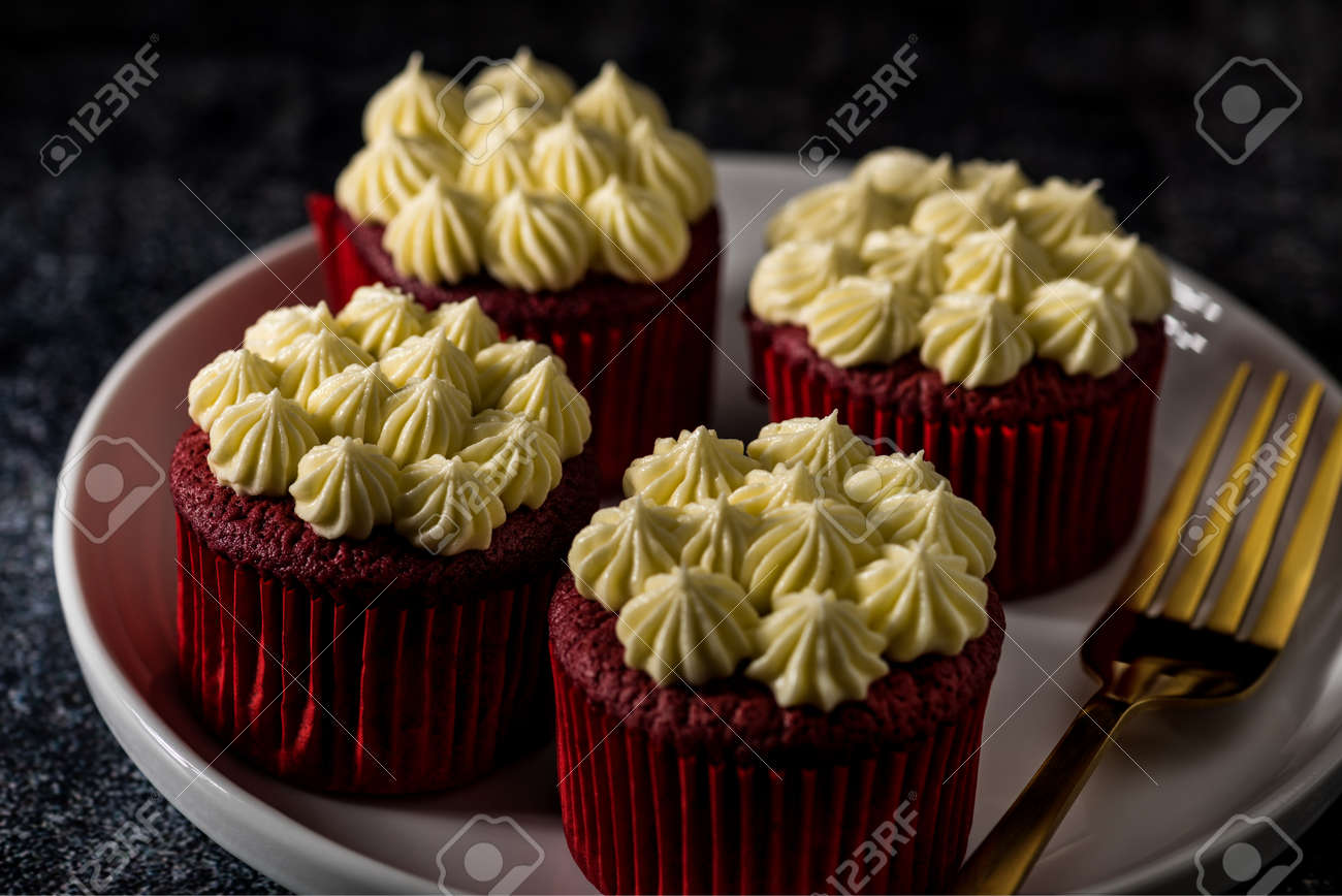 Red Velvet cup cakes on plates and a cake stand Stock Photo - 93051298 & Red Velvet Cup Cakes On Plates And A Cake Stand Stock Photo Picture ...