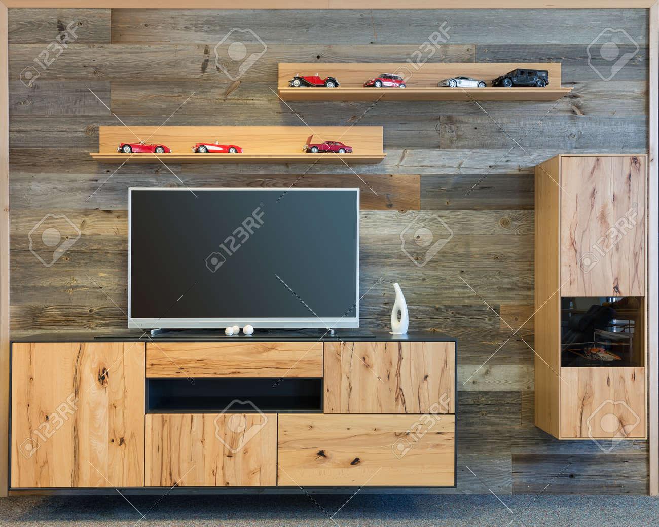 Mur De Salon Design Avec Tv Meuble Et Etagere En Bois