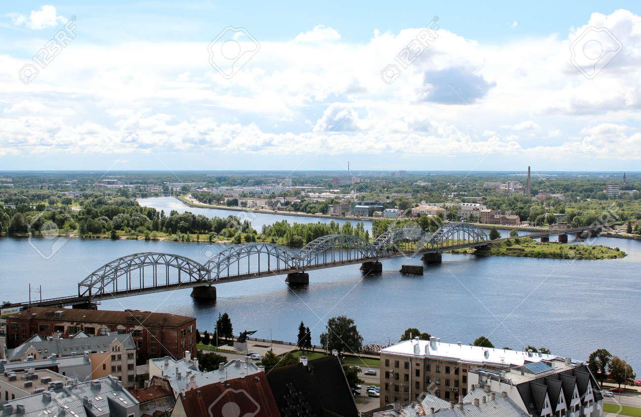 ダウガヴァ川、ラトビア リガ橋...