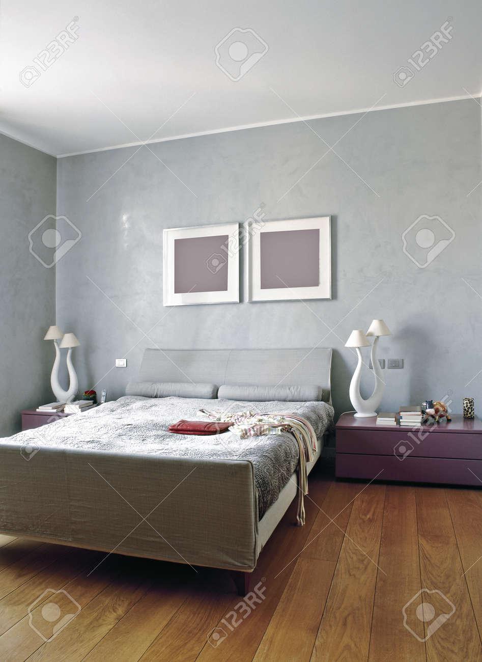 Moderna sovrum med trägolv royalty fria stockfoton, bilder ...