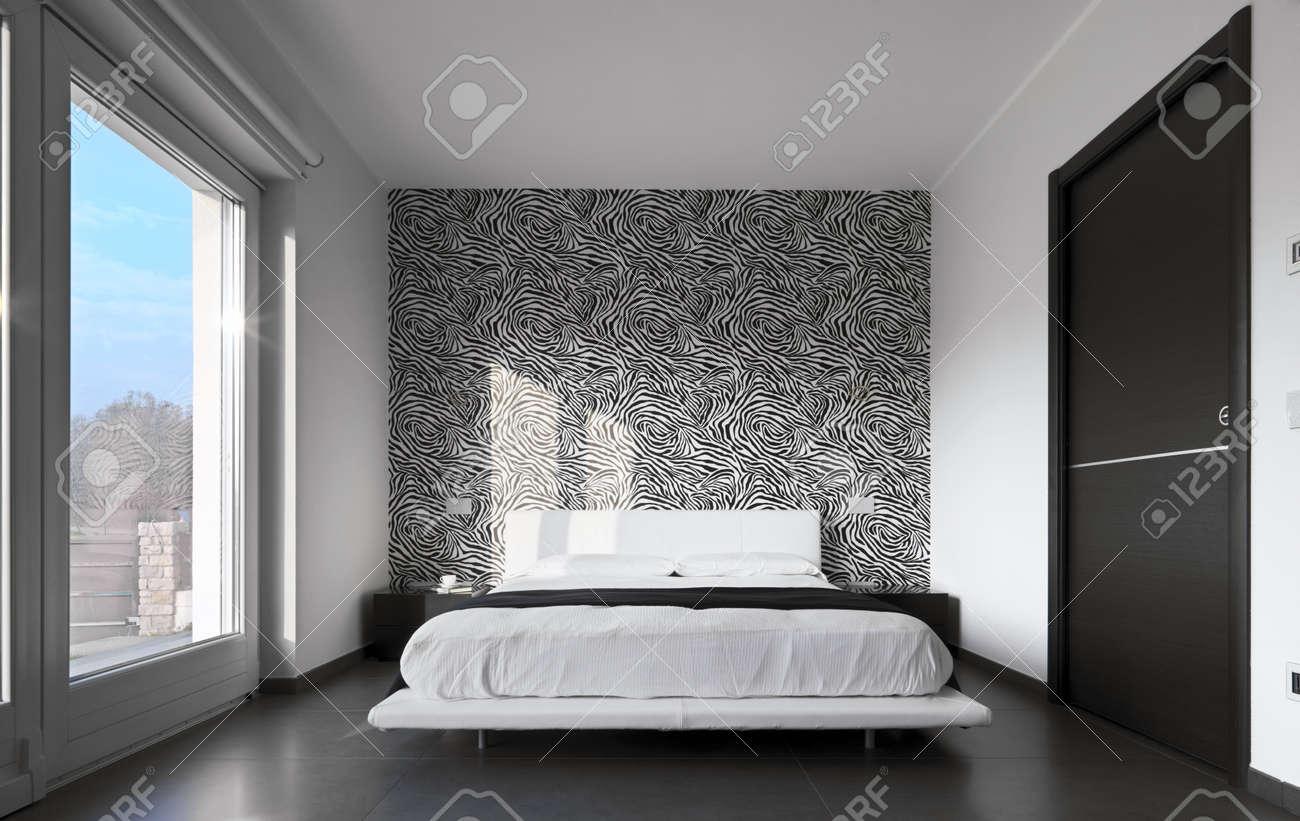 camera da letto moderno con carta da parati in bianco e nero foto ... - Carta Da Parati Moderna Camera Da Letto