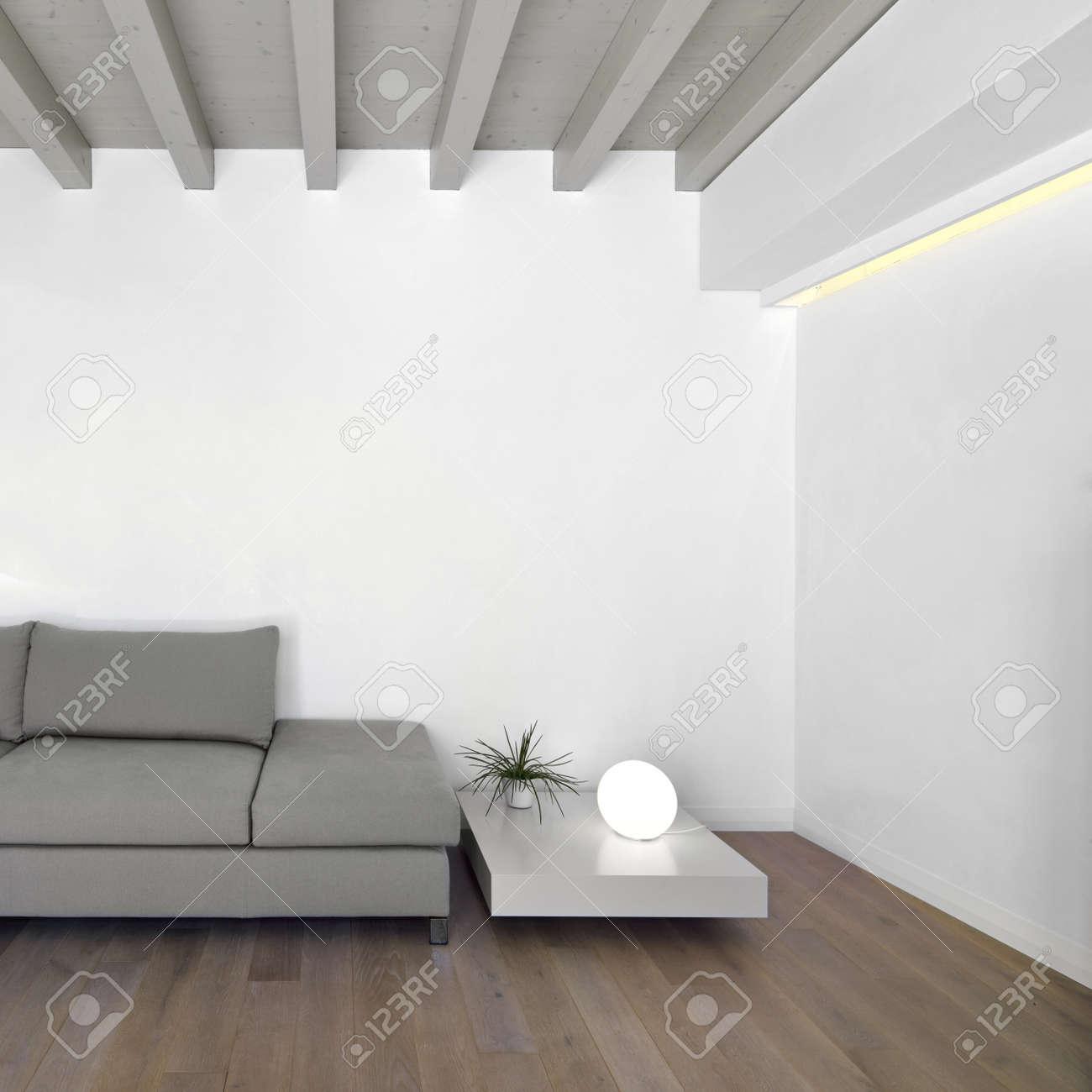 Modernes wohnzimmer mit parkett lizenzfreie fotos, bilder und ...