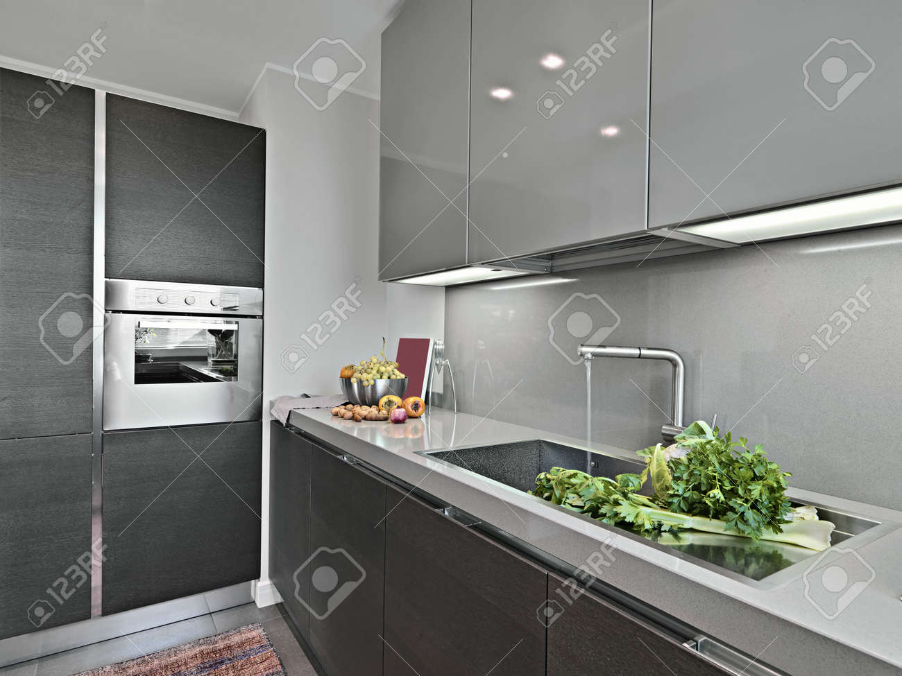 vetables near to sink in a modern kitchen Stock Photo - 16486977