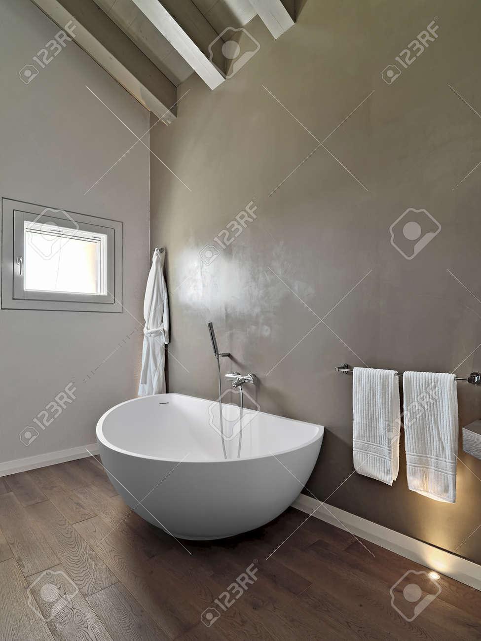 D Tail D Une Baignoire Moderne Dans Une Salle De Bains Dans La