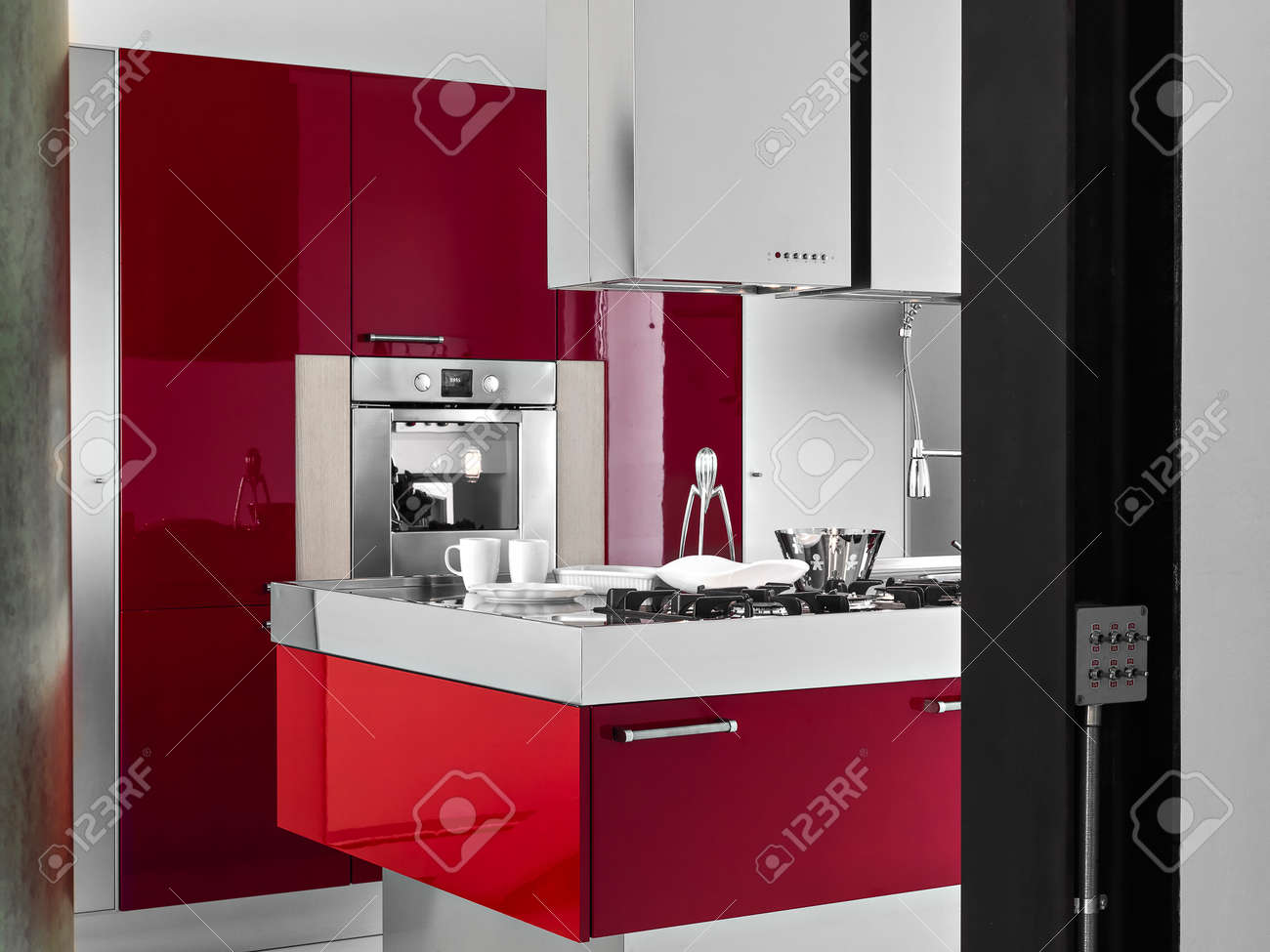 Innenansicht Eines Modernen Küche Auf Foregound Der Roten ...