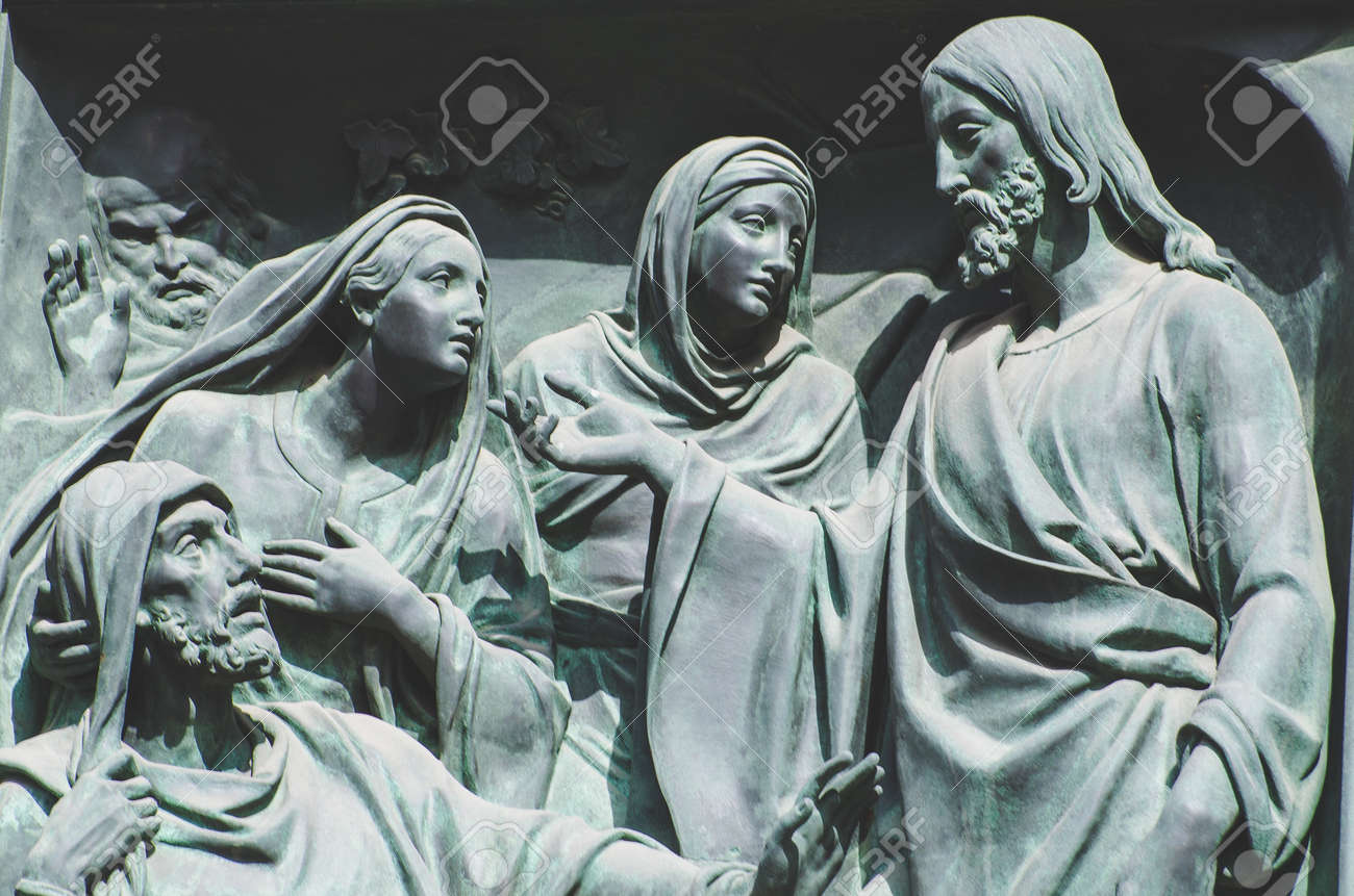 the last supper jesus the statue of a fresco painting on a stone