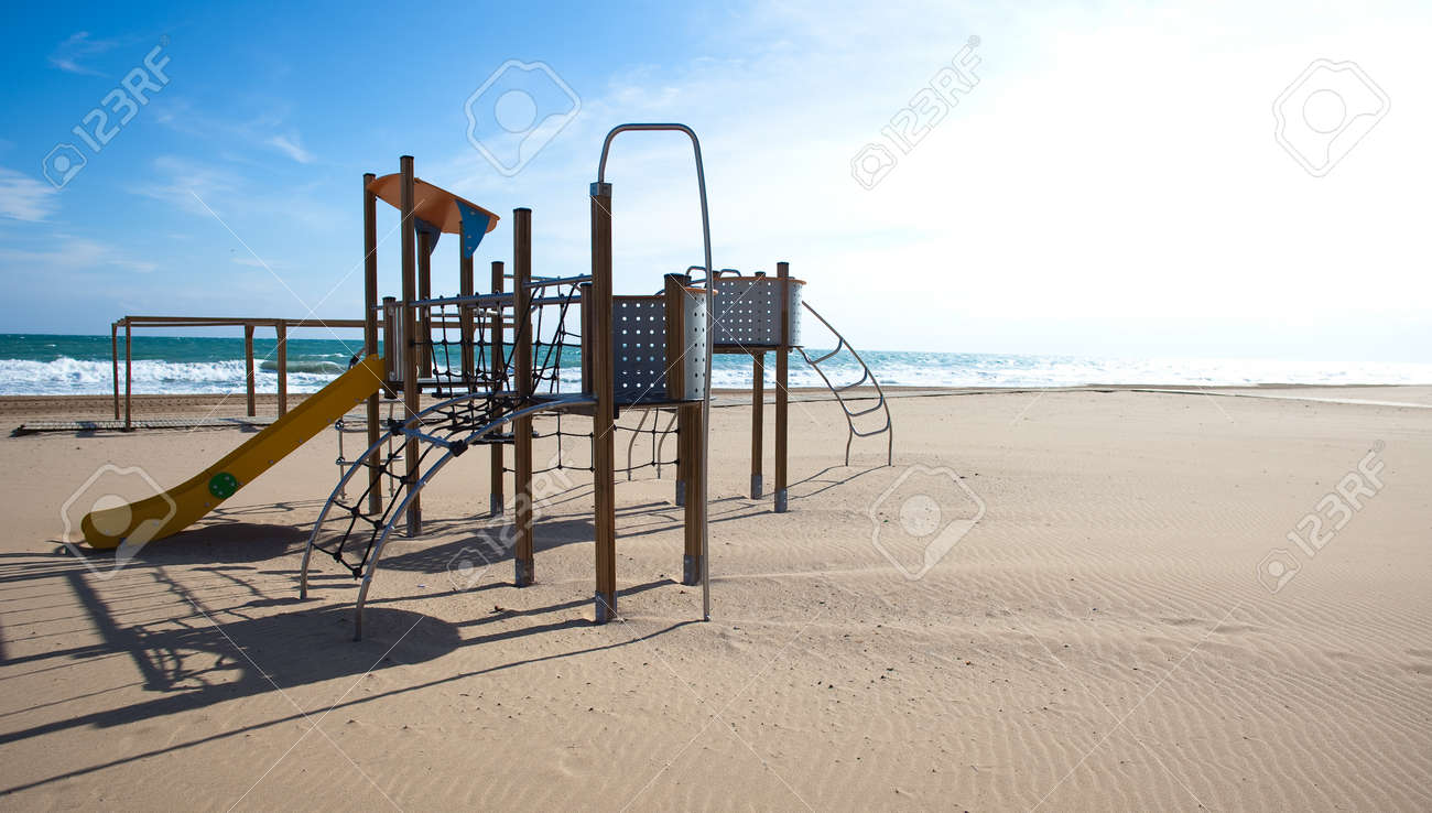 swing recreation on the beach on sunny day Stock Photo - 8769984