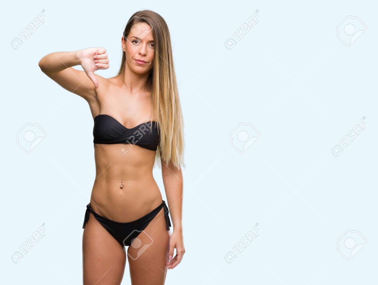 junge-bikini-daumen-nackte-maedchen-entwarfen-buesche