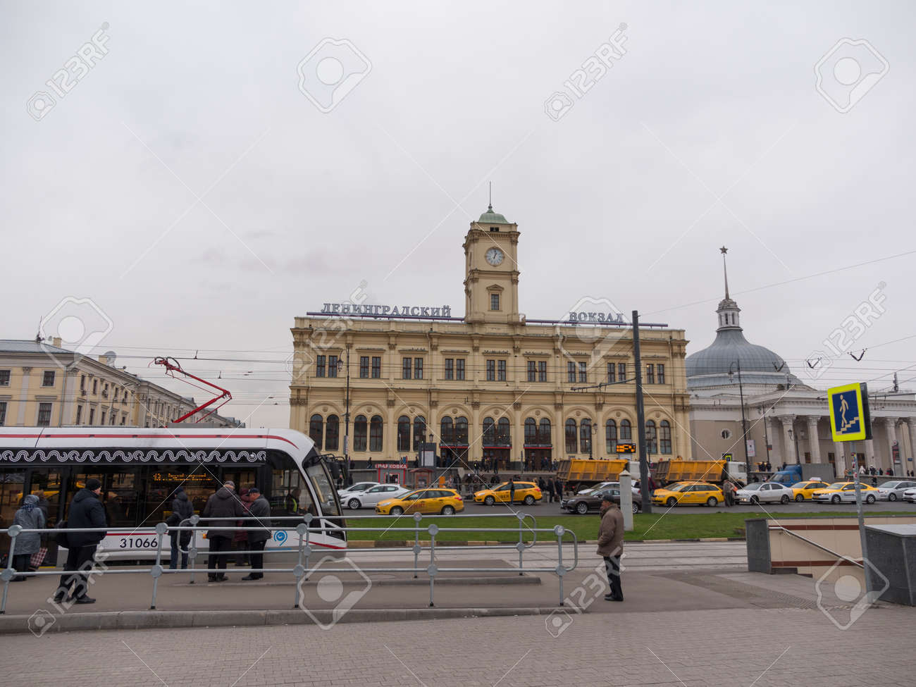 How to get to the Leningrad station
