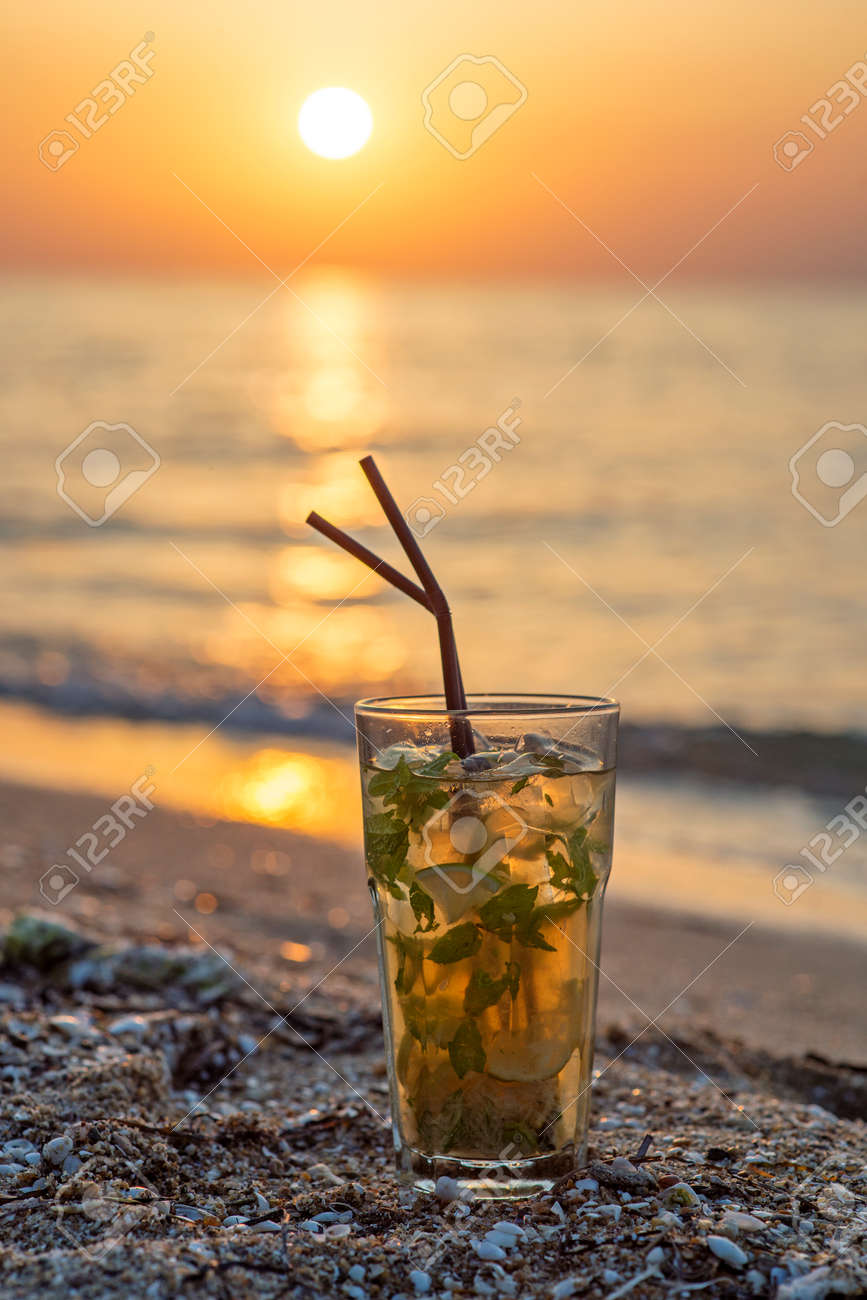 Gros Plan, Verre, Mojito, tail, Deux, Pailles, Plage, Coucher ... on